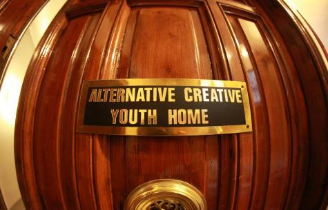 Alternative Creative Youth Home backpacker youth hostel in Barcelona Spain