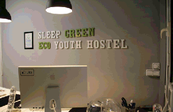 Sleep Green ECO youth hostel in Barcelona center